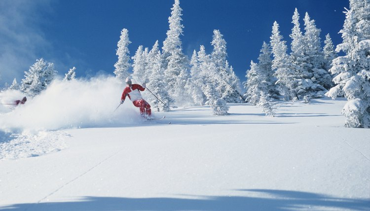 How Many Calories Are Burned in Downhill Skiing?