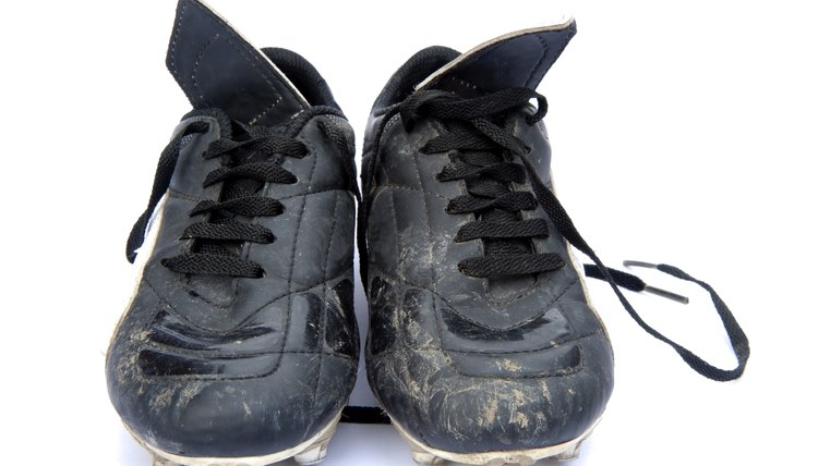 How to Remove Rubber Turf Marks From Soccer Shoes