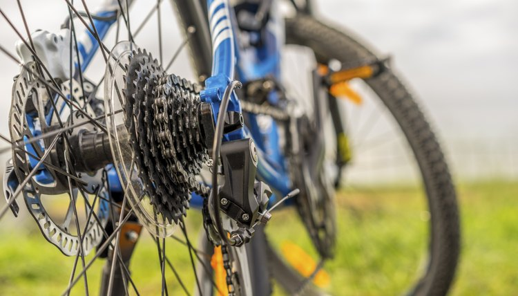 The Difference Between the Shimano 105 and Tiagra Derailleurs