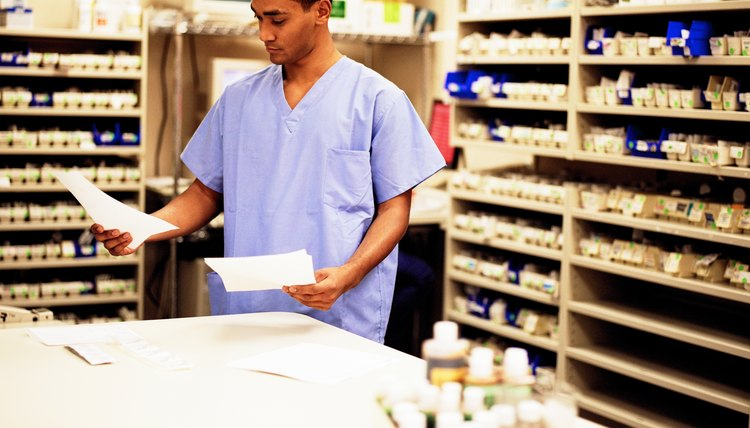 Pharmacy Assistant Duties | Career Trend