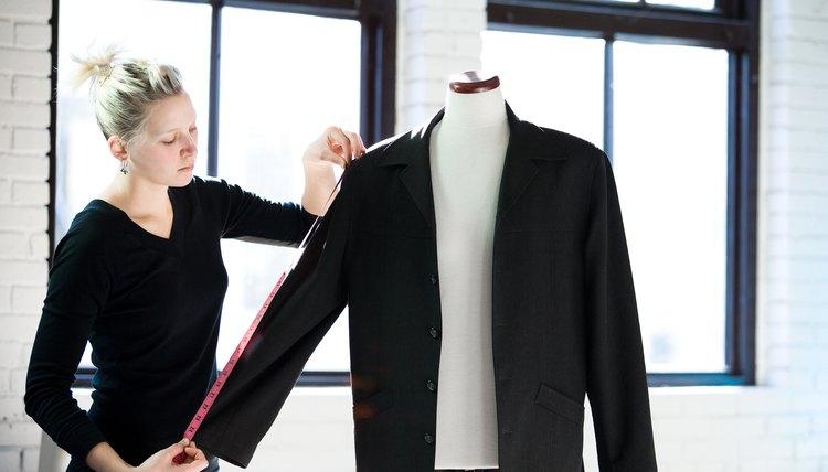 The Best Blazer For Men With Broad Shoulders