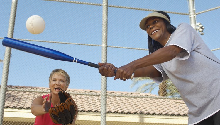 How to Figure Batting Averages for Softball