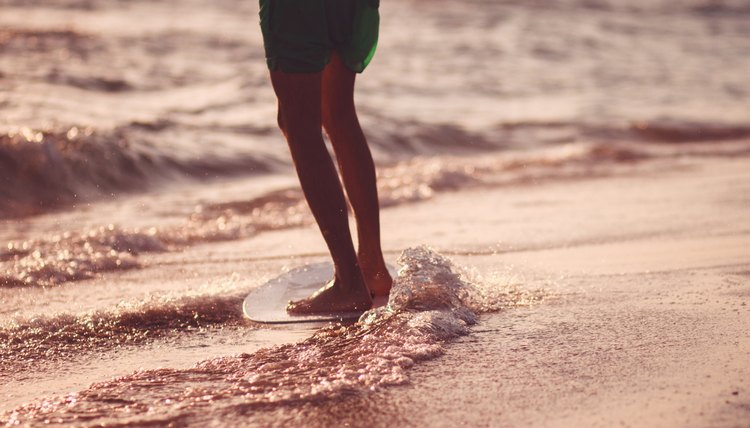 The Difference Between a Body Board and a Skim Board