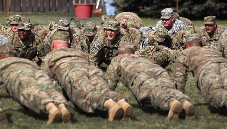 Army: What Are the Daily Dozen Exercise Routines?