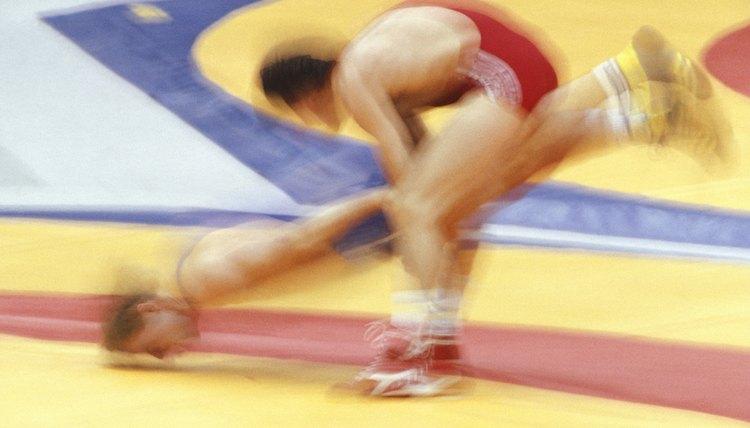 The Best Takedowns for Short Wrestlers