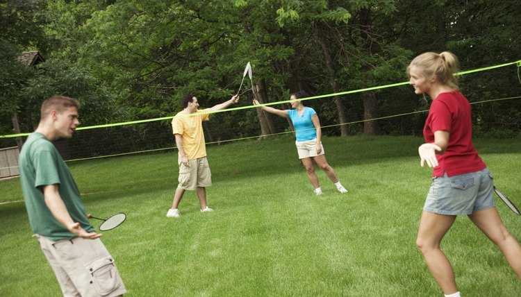How to Set Up a Backyard Badminton Net