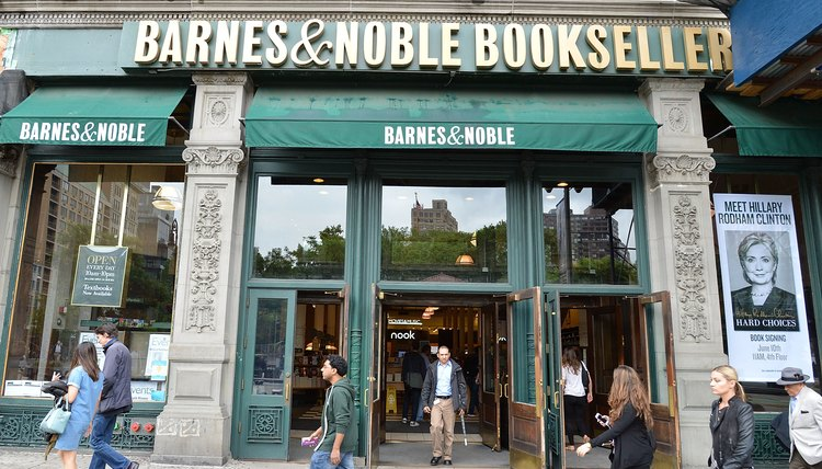 Alison Sweeney Supports Bookstores Amidst Ongoing Feud Between Her