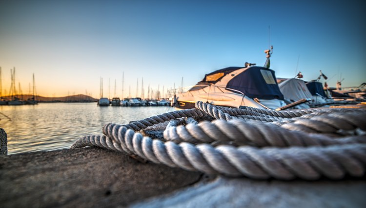 close up of a rope in Alghero harbor