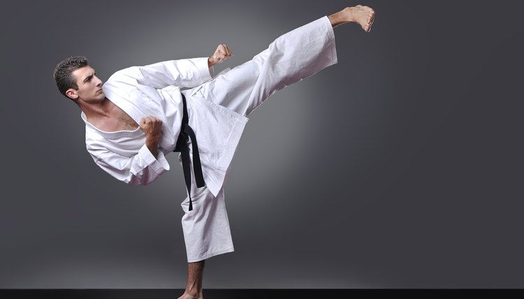 7 Types of Stretching in Martial Arts