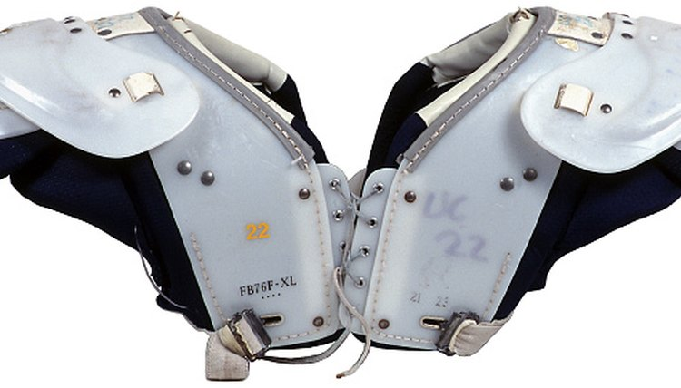 How to Hook Up Back Plates to Shoulder Pads
