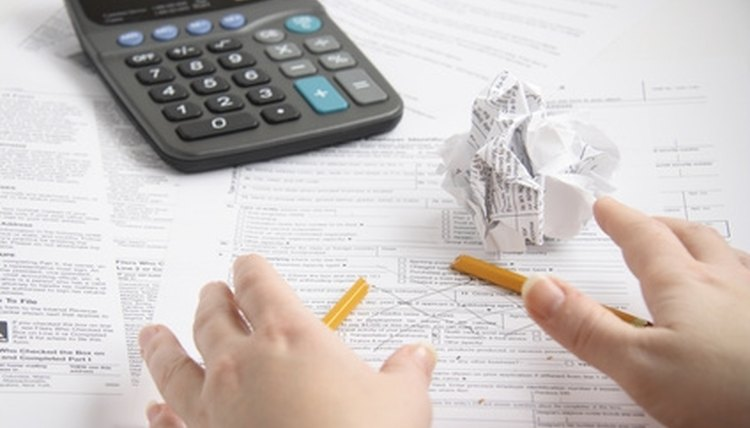 Quarterly financial records can be included in corporate minutes.