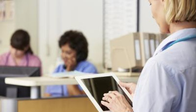 what are the responsibilities of a hospital administrator