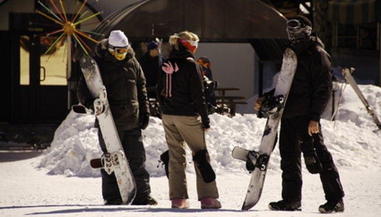 Snowboarding Mittens Vs. Gloves