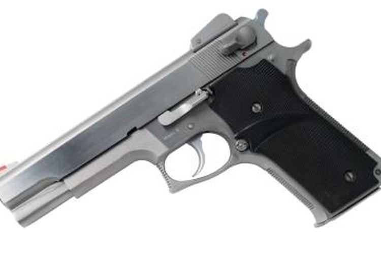 Slide-action pistol similar to the Beretta 92FS