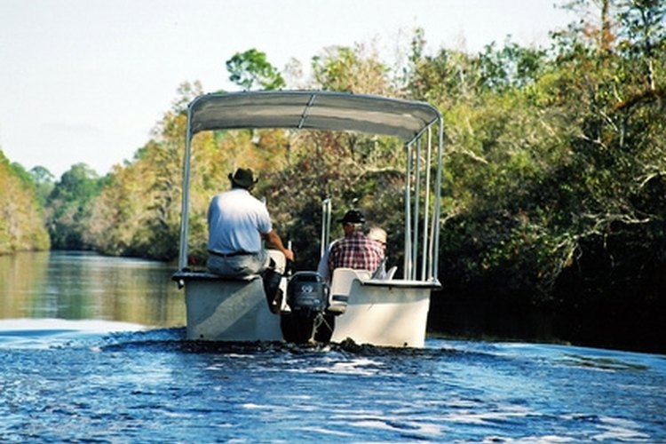 Pontoon boats can provide hours of fun and relaxation for you and your family.