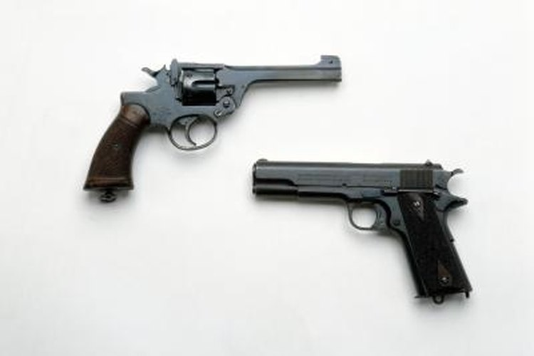 The Llama XV looks almost exactly like the Colt 1911 (lower right) except the barrel is smaller.