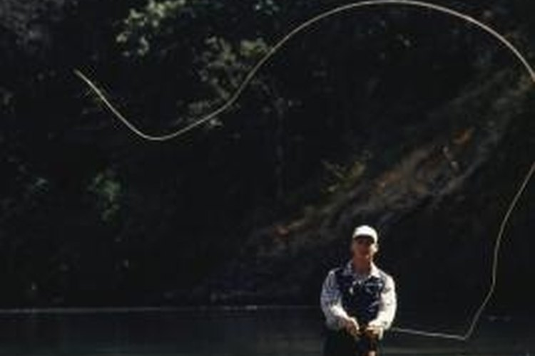 Use a no-knot eyelet to connects your fly line to your leader.