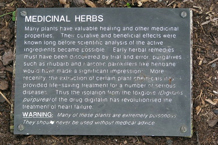 Placa de advertencias de las hierbas medicinales.
