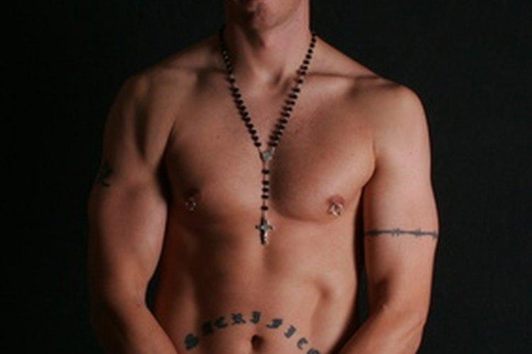 perforación adulto desnudo