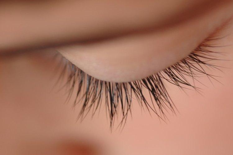 How To Make Your Eyelashes Darker Leaftv