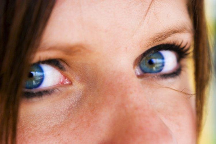 Gotas para el glaucoma y el crecimiento de las pestañas