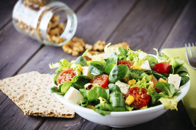 23 ensaladas saludables que comen los expertos en nutrici n muy fitness - Ideas cenas saludables ...