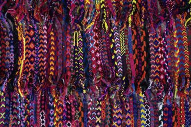 Use multiple colors of paracord to weave bright patterns.