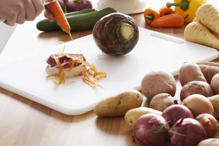 C mo cocinar zanahorias y patatas frescas en el microondas for Como cocinar acelgas frescas