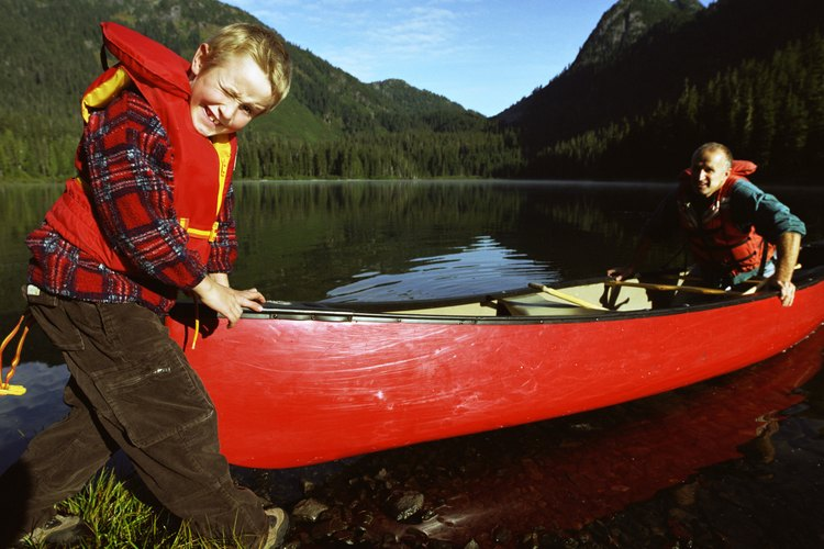 Smooth, wide rivers are perfect for novice paddlers.