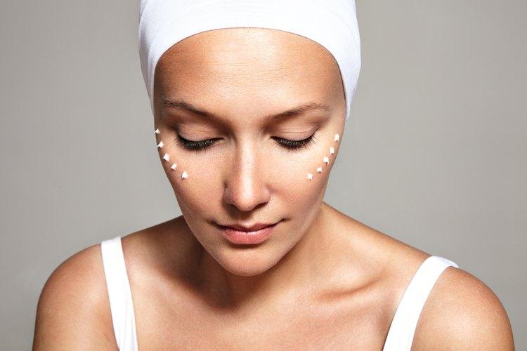 Side Effects of Cream That Treats Dark Under-Eye Circles