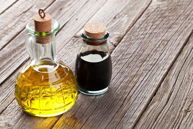 Medical Uses for Vinegar | LEAFtv