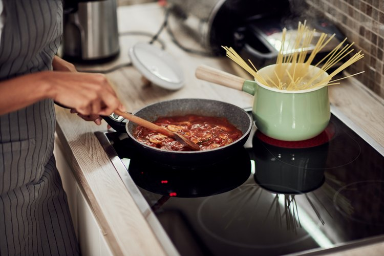 What Are the Dangers of Calphalon Cookware?