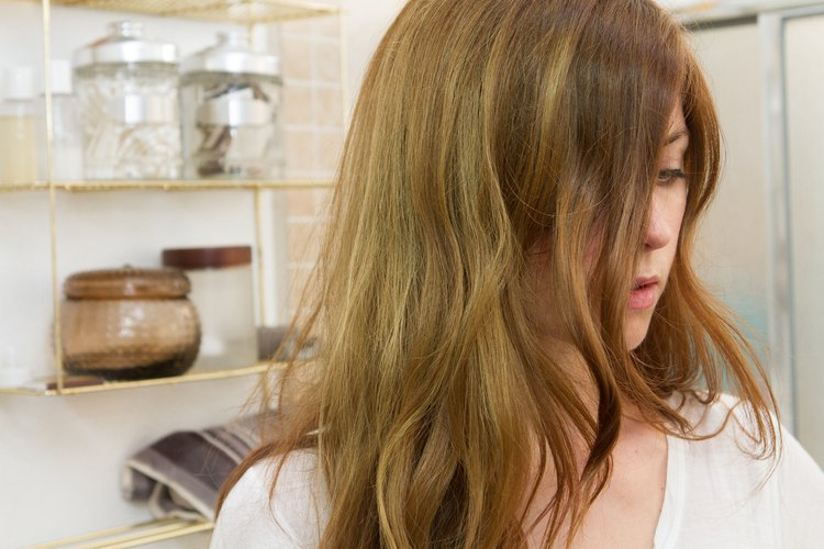How to Get the Green Out of Brown Hair   LEAFtv
