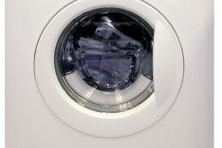 Serás más exitoso en encoger tu sudadera la primera vez que la lavas y secas.