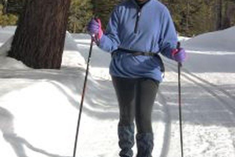 El esquí es un divertido deporte practicado en invierno.