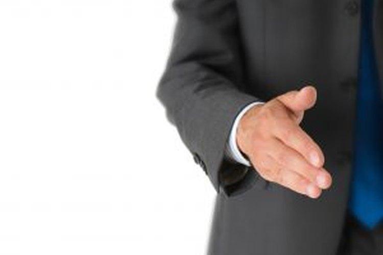 Prepara bien las respuestas antes de ir a una entrevista de trabajo.