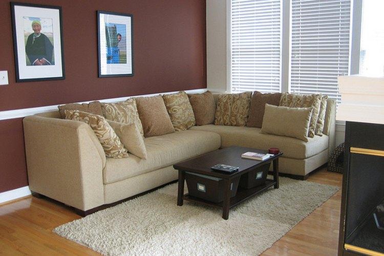 Ten en cuenta la decoración de tu casa para el diseño del sofá.
