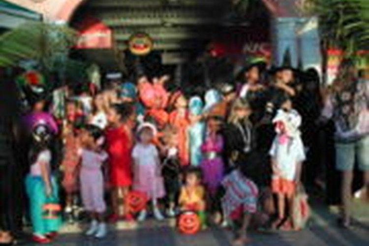 Una fiesta de Halloween es generalmente la primera fiesta del año de colegio y una de las más divertidas.