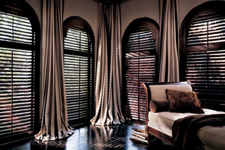 Existen varios factores a tener en cuenta al cobrar tus cortinas personalizadas.