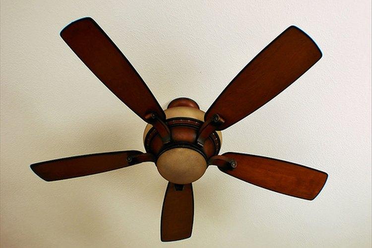 Los ventiladores de techo Hampton Bay son muy populares.