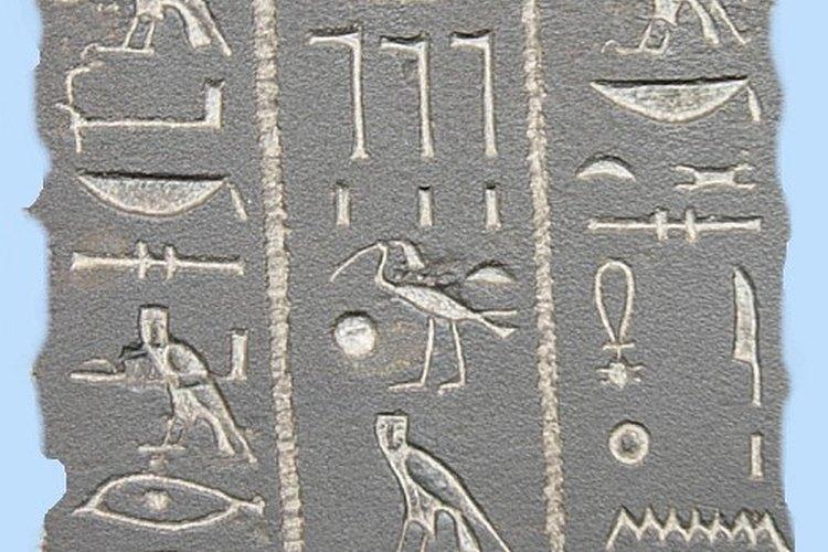 Muchos sitios web ofrecen ejemplos de traducción de los jeroglíficos.