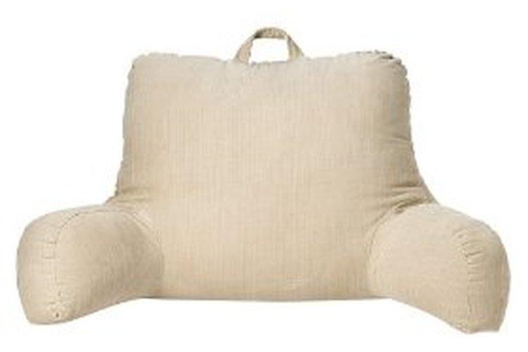 Hacer una almohada para descansar en la cama es un proyecto que tarda una hora aproximadamente.