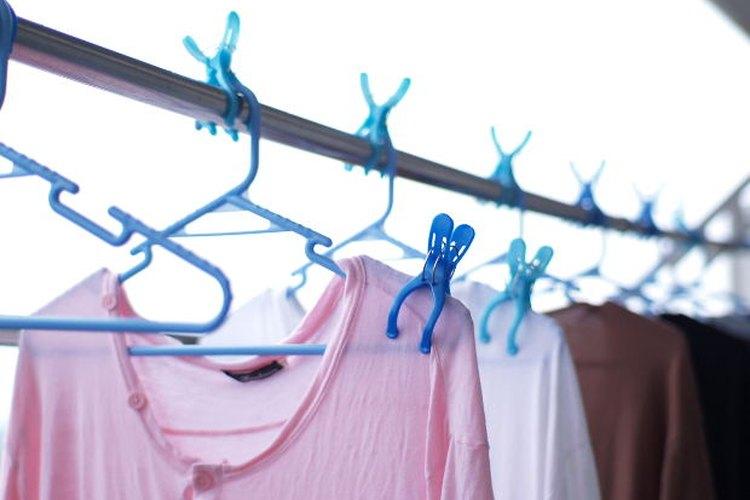 El desteñido de los colores es un problema de lavandería que muchos temen.