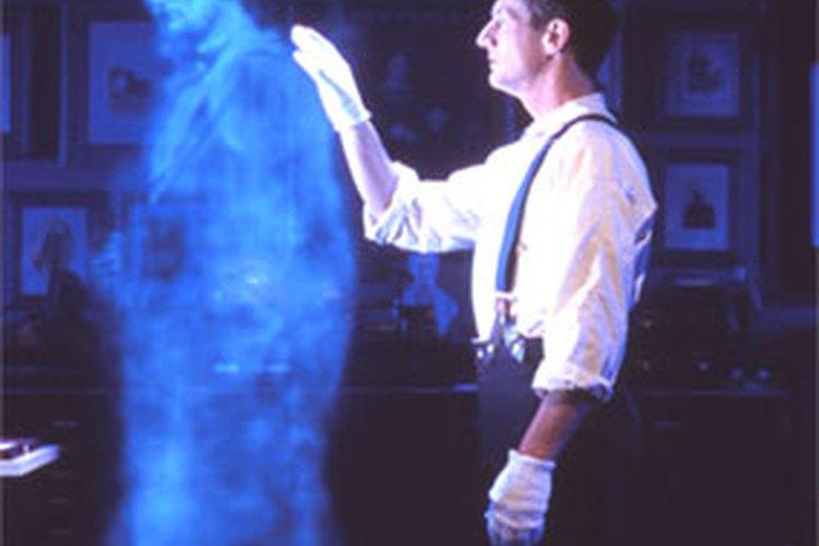 Crear una ilusión de fantasma en una casa embrujada no es tan difícil como parece.