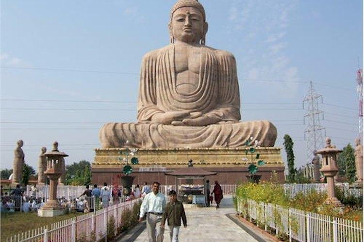 El budismo comenzó en India.