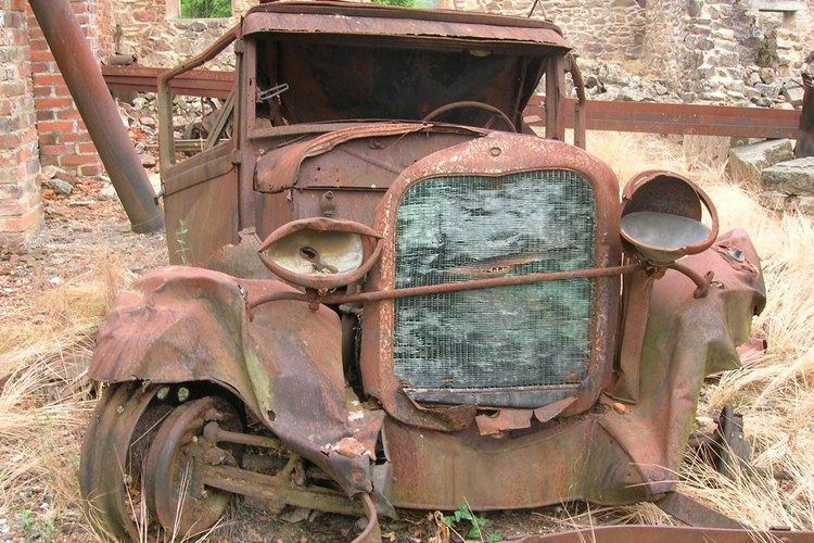 Un vehículo abandonado es un verdadero peligro.