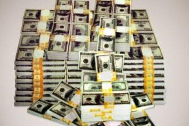 Algunos regalan dinero por motivos fiscales.