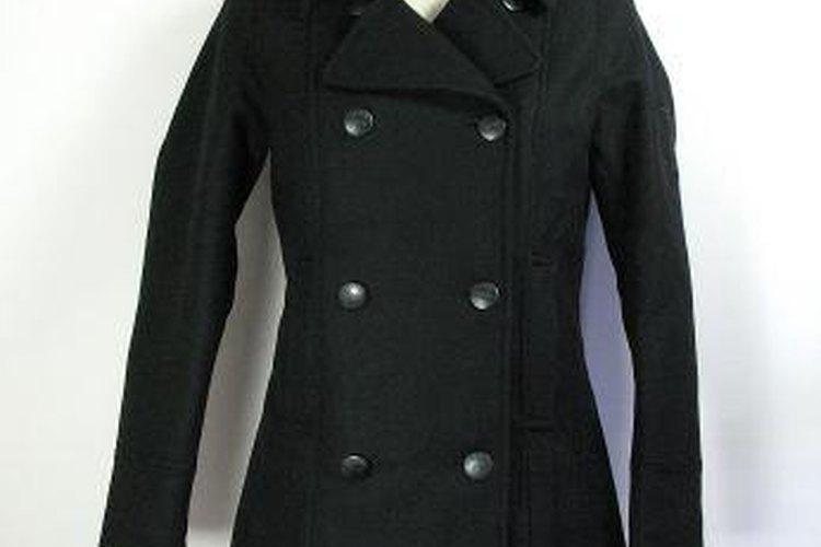 Se pueden sacar fácilmente las manchas en los abrigos de lana.