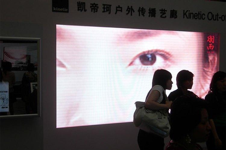 Las pantallas de video grandes a menudo están hechas con LEDs.