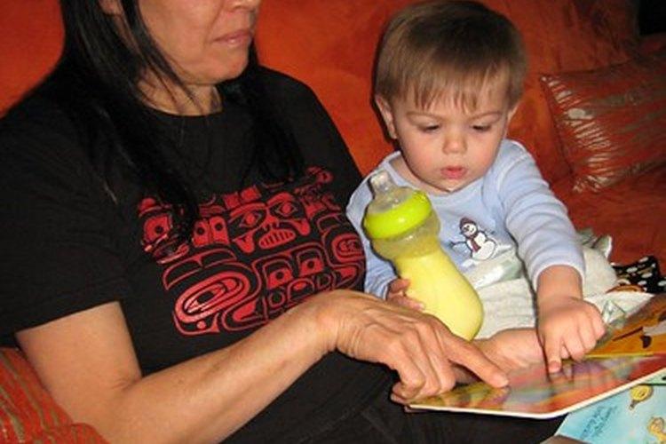 Ayuda a tu hijo a salir adelante en la escuela mediante la enseñanza de habilidades de lenguaje y alfabetización.